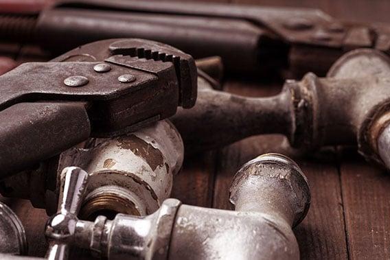 appareil métallique de plomberie