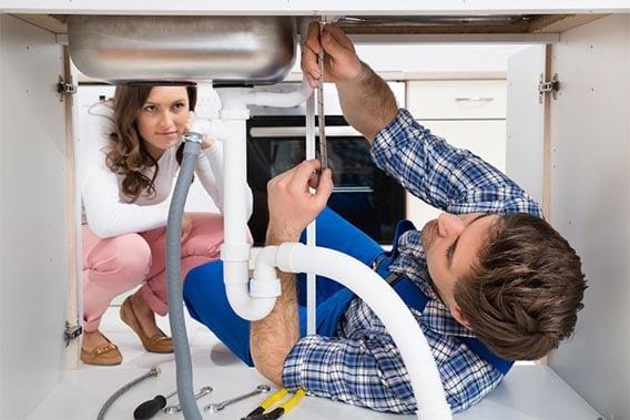 spécialiste en plomberie qui débouche
